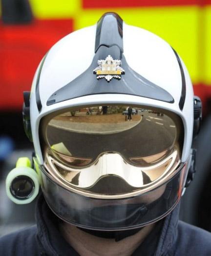 043009_helmet_3-1.jpg